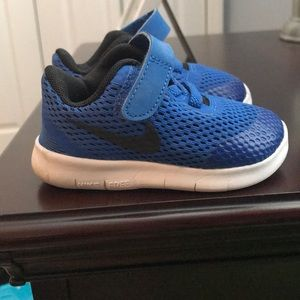 Nike Free RN infant boy sneaker